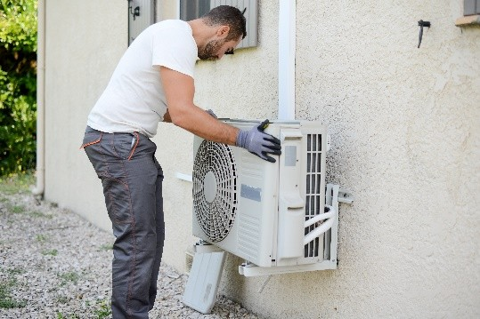 AIR CONDITIONER INSTALLERS……